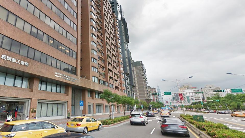 台北安全鞋 hs安全鞋04-23368247說看網路找來的有優惠